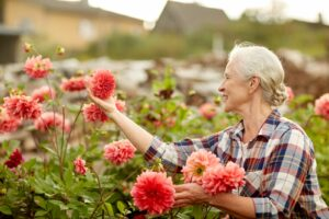 Home Health Care Kansas City MO - Walking Tips to Help Improve Your Elderly Loved One's Health